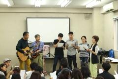 """Aksi musikalitas Siswa Asahi Shinbun dari Universitas Brawijaya """"Bhindi""""."""