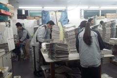 Persiapan Loper Koran Asahi Shinbun di Mise Chuo, Shinyurigaoka.